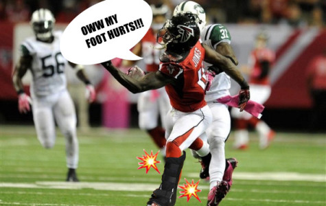 Julio Jones falling hard on his foot which later leads to his fracture