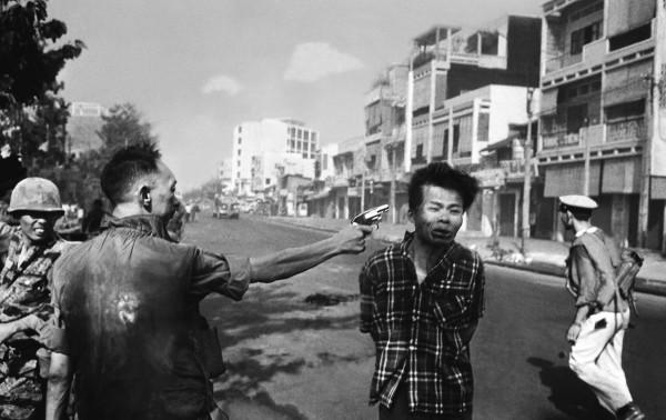 Journalists shape history