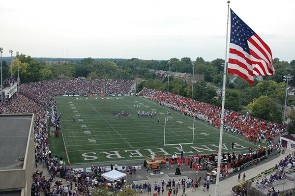 The pits hosts Colerain and ESPN in 2009 game.