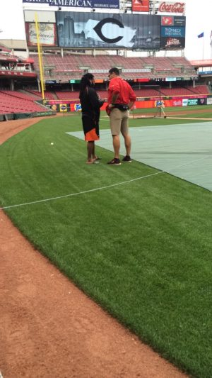 Cueto talking to his old translator in his Cincy days.