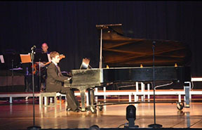 Freshman pianist showcases his talents