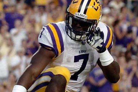 College stars skip bowl games to prep for draft