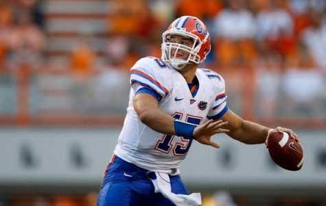 Tebow playing dropping back to pass as Florida's quarterback.