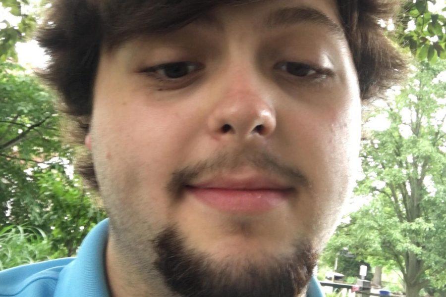 A+bearded+Seth+snaps+a+dreamy+selfie.