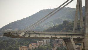 Horrible bridge collapse in Italy