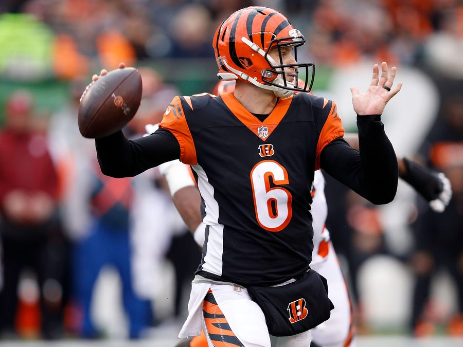 CINCINNATI%2C+OH+-+NOVEMBER+25%3A++Jeff+Driskel+%236+of+the+Cincinnati+Bengals+throws+a+pass+during+the+fourth+quarter+of+the+game+against+the+Cleveland+Browns+at+Paul+Brown+Stadium+on+November+25%2C+2018+in+Cincinnati%2C+Ohio.+Cleveland+defeated+Cincinnati+35-20.+%28Photo+by+Joe+Robbins%2FGetty+Images%29