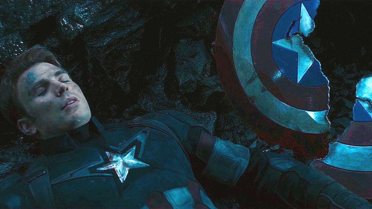 Captain+America+suffering+a+big+blow+from+Thanos+