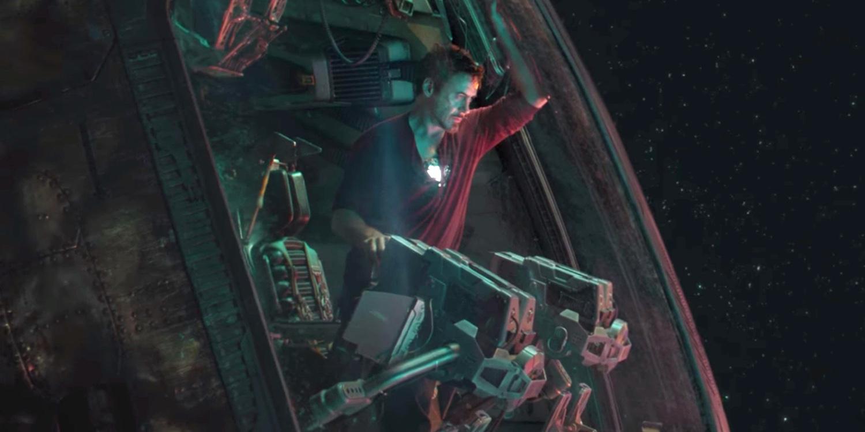 Iron+man+making+a+hologram+to+his+daughter+