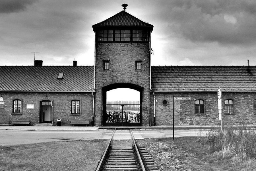 This+is+what+prisoners+who+were+transferred+or+placed+at+Auschwitz-Birkenau+saw+upon+arriving+at+the+main+gates.+This+was+the+front+of+Auschwitz-Birkenau+concentration+camp+in+German+occupied+Poland+in+1940.+